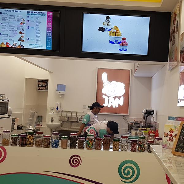 Jamm Roll - Ice Cream Parlour3